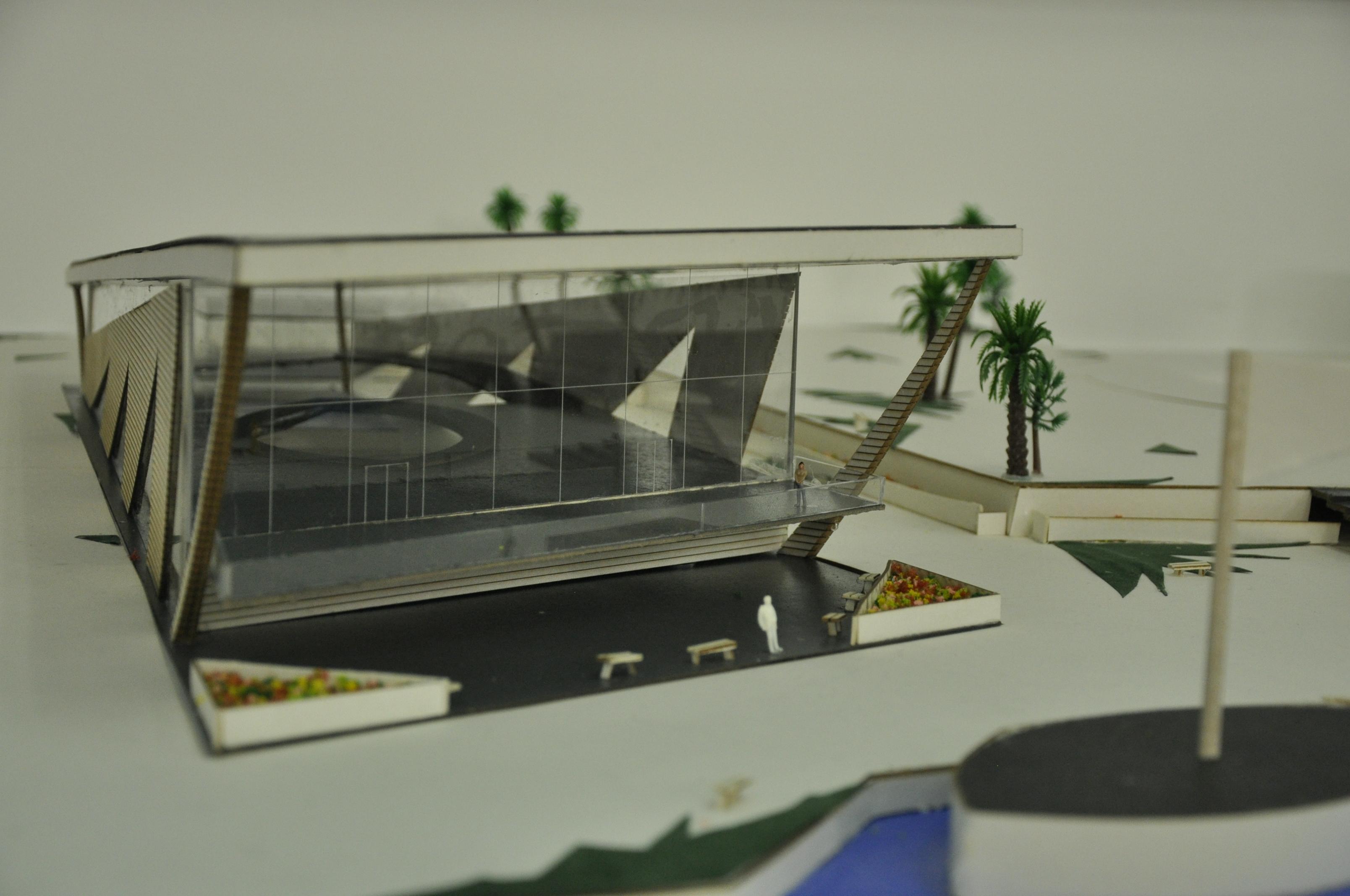 תכנון מרכז ספורט ימי, הנדסאי אדריכלות. מגישה נוי מילר, מנחה תמיר גרינברג. צילום: מאיה לוי - שנקר הנדסאים