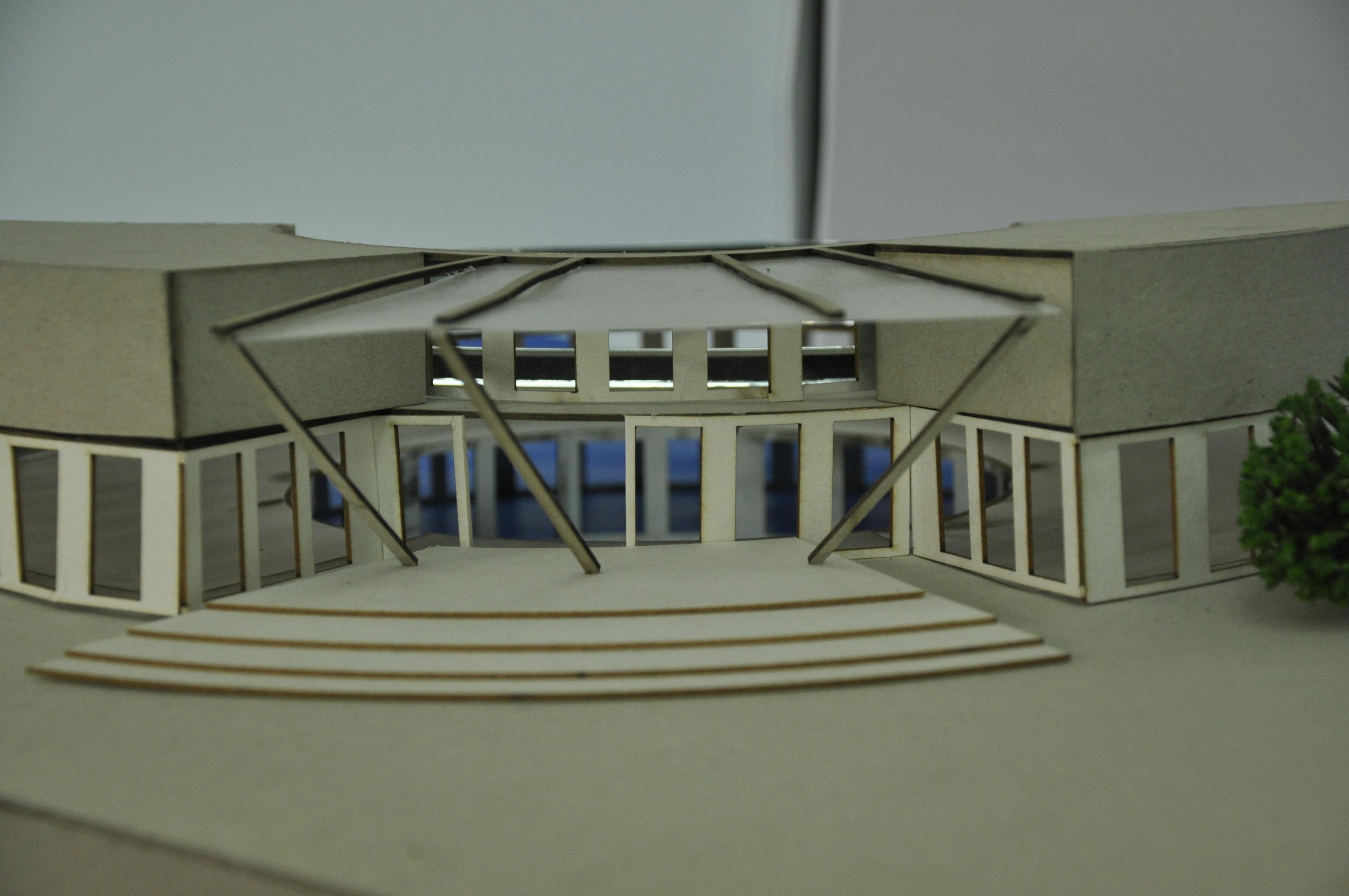 תכנון מרכז ספורט ימי, הנדסאי אדריכלות. מגישה עדן פז, מנחה תמיר גרינברג. צילום: מאיה לוי - שנקר הנדסאים