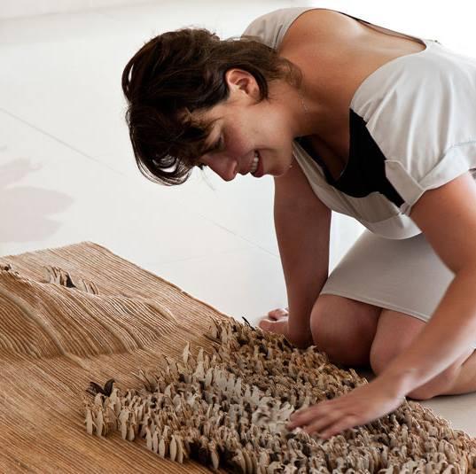 עבודת הגמר של אדריכלית נילי מוזר בהנחיית רמי טריף. שטיח לבד בהשראת המסע שעובר הפינגווין הקיסרי. צילום: עודד סמדר.