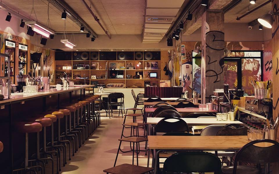 מסעדת אמריקה בתל אביב - עיצוב בוגר שנקר הנדסאים דן טרוים