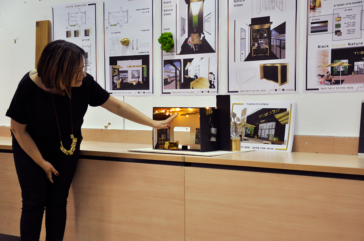 סמדר סולימן מגישה - קונספט עיצוב פנים למרכז המבקרים של בירה אלכסנדר - שנקר הנדסאים